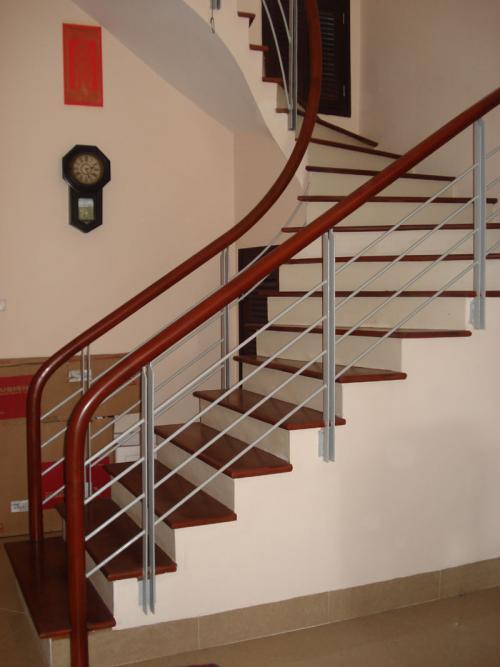 Cầu thang sắt M22