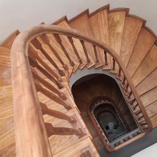 Cầu thang gỗ M21