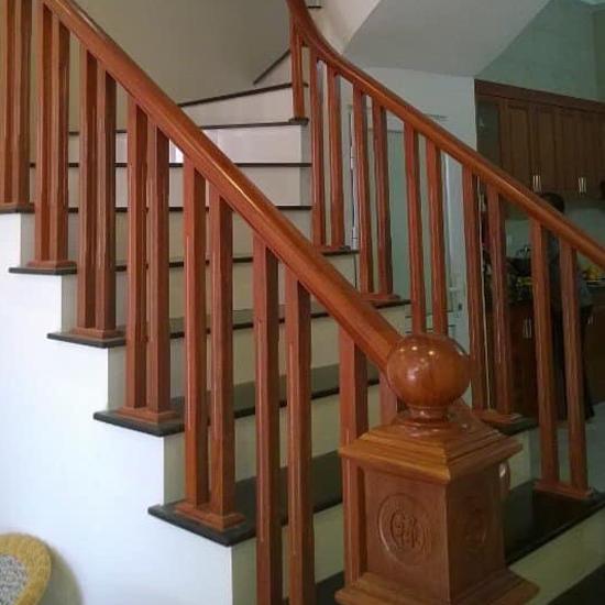 Cầu thang gỗ M24