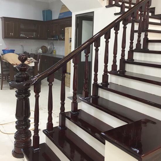 Cầu thang gỗ M32