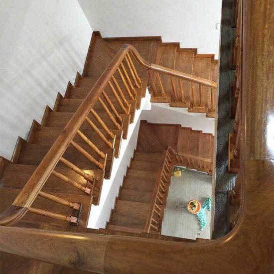 Cầu thang gỗ M33