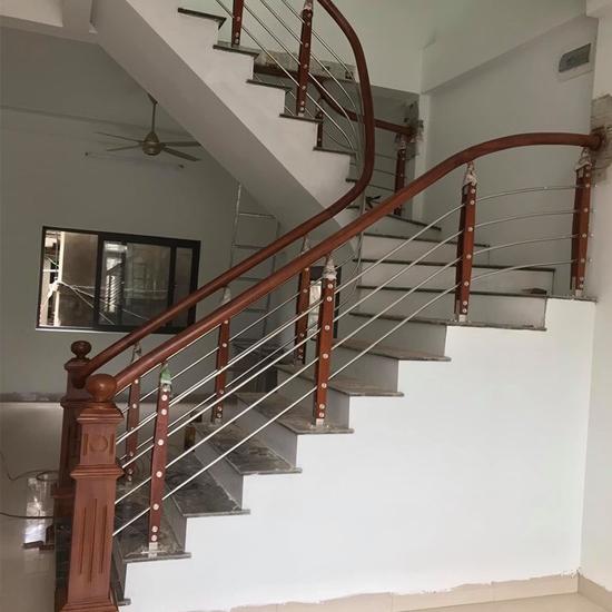 Cầu thang inox M35