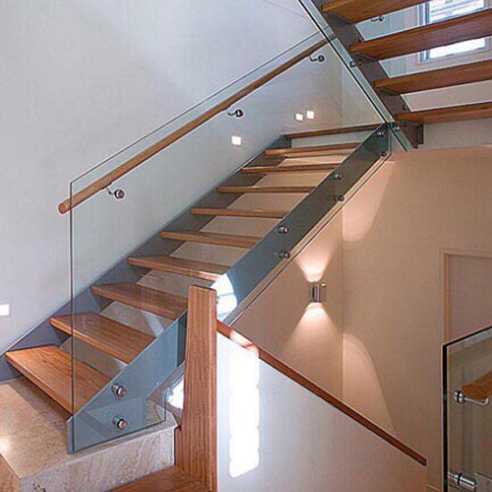 Cầu thang kính M33