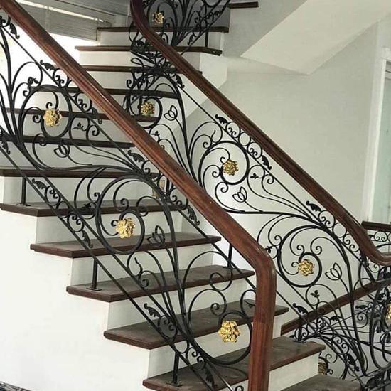 Cầu thang sắt M26