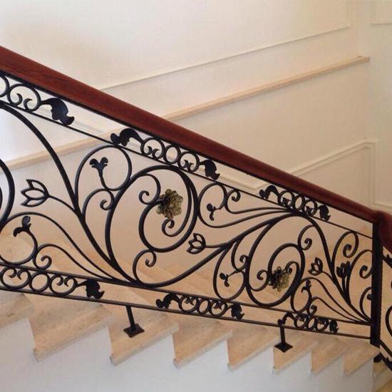Cầu thang sắt nghệ thuật M21