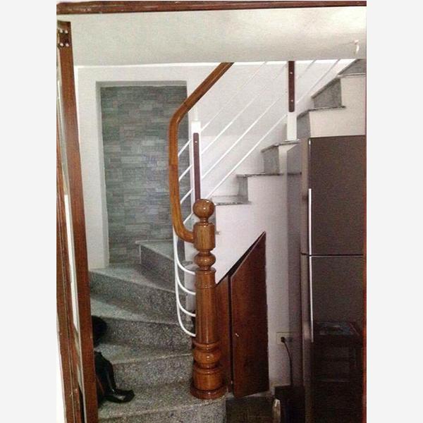 Cầu thang sắt M12
