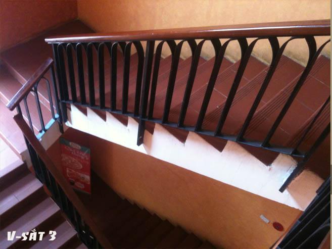 Cầu thang sắt M20