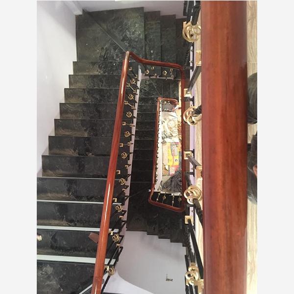 Cầu thang sắt nghệ thuật M19