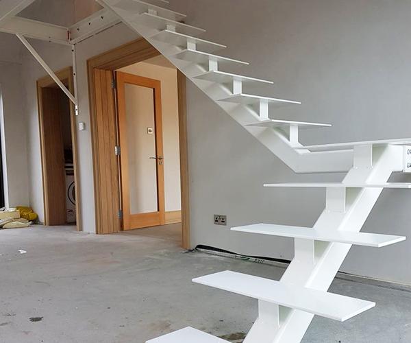 Cầu thang xương cá M12