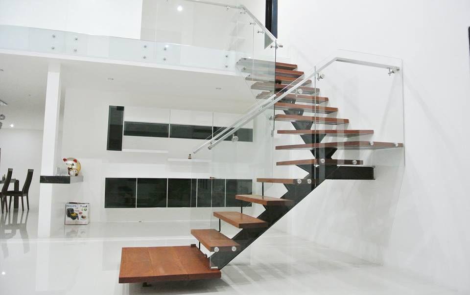 Cầu thang xương cá M13